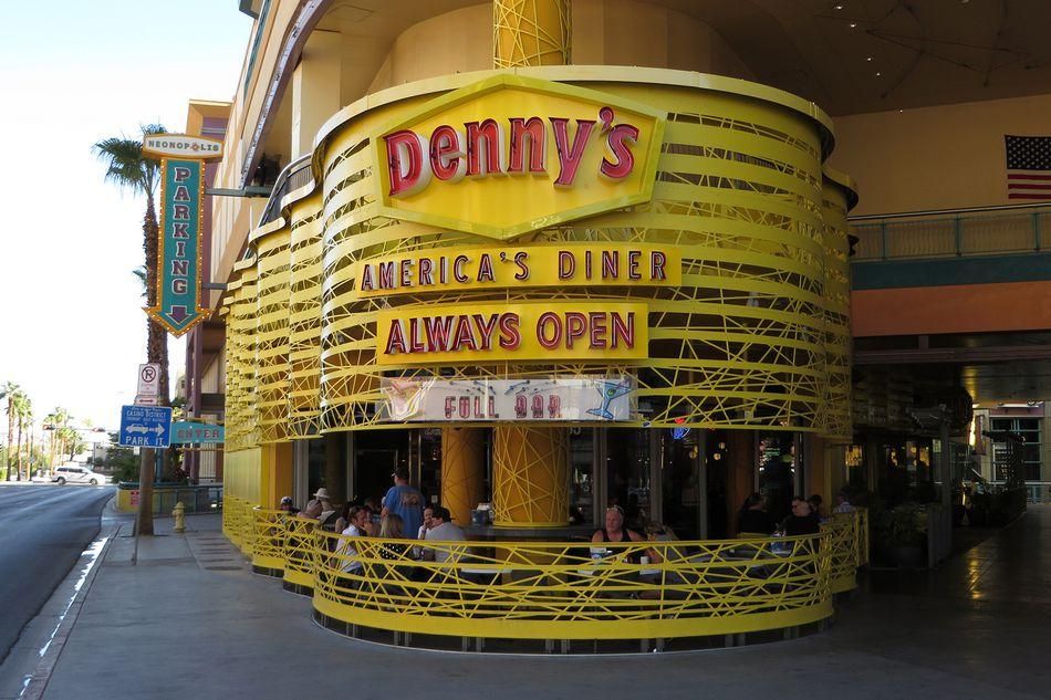 Dennys-Las-Vegas-5a932e8ea9d4f9003653ccad.jpg