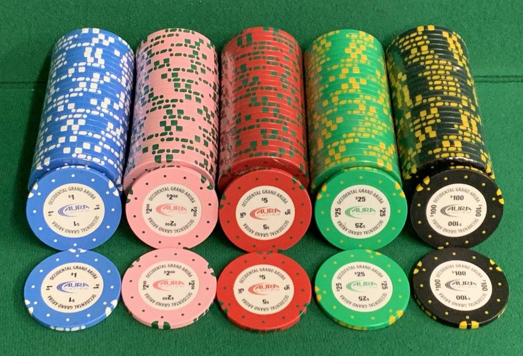 100 $25 AURA Aruba Casino Chips GEMACO YELLOW//GREEN 43MM