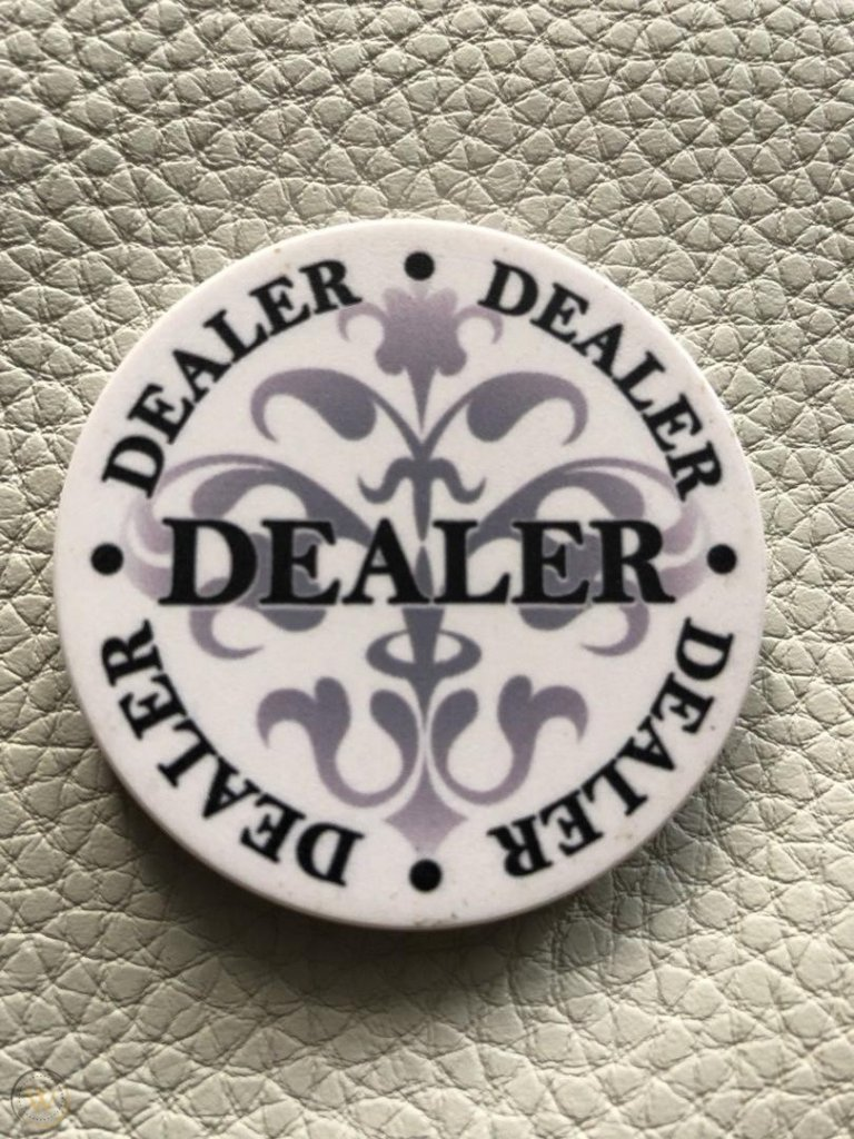 le-noir-paulson-poker-dealer-button_1_44082705ec510aa72e495366c858b6ba.jpg