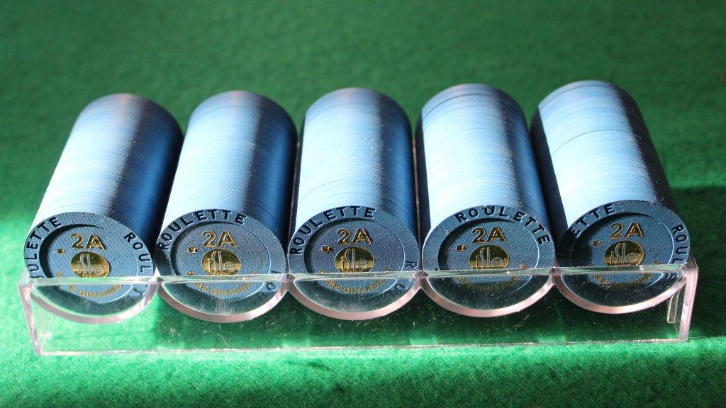 Paulson Isle Casino roulette chips #04.JPG