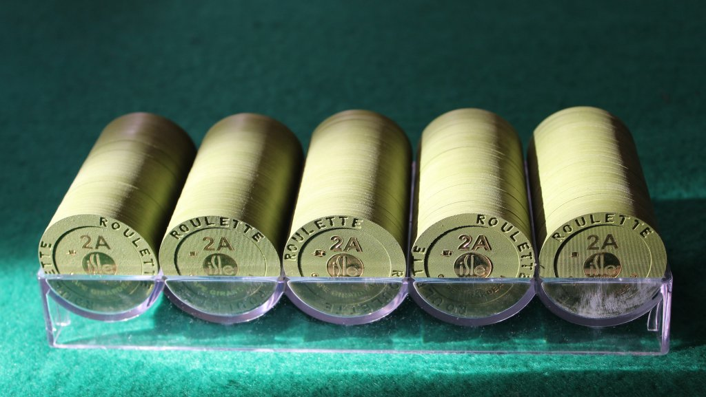 Paulson Isle Casino roulette chips #05.JPG