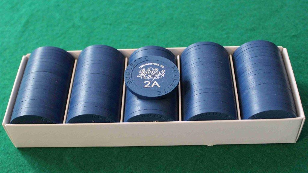 Paulson Lady Luck - Dark blue roulette chips # 02 b.JPG