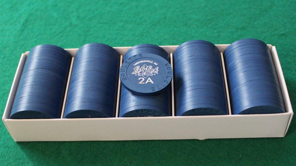 Paulson Lady Luck - Dark blue roulette chips # 02.JPG