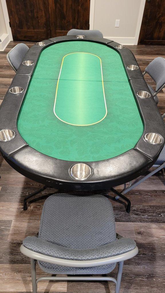 PokerTable.jpg