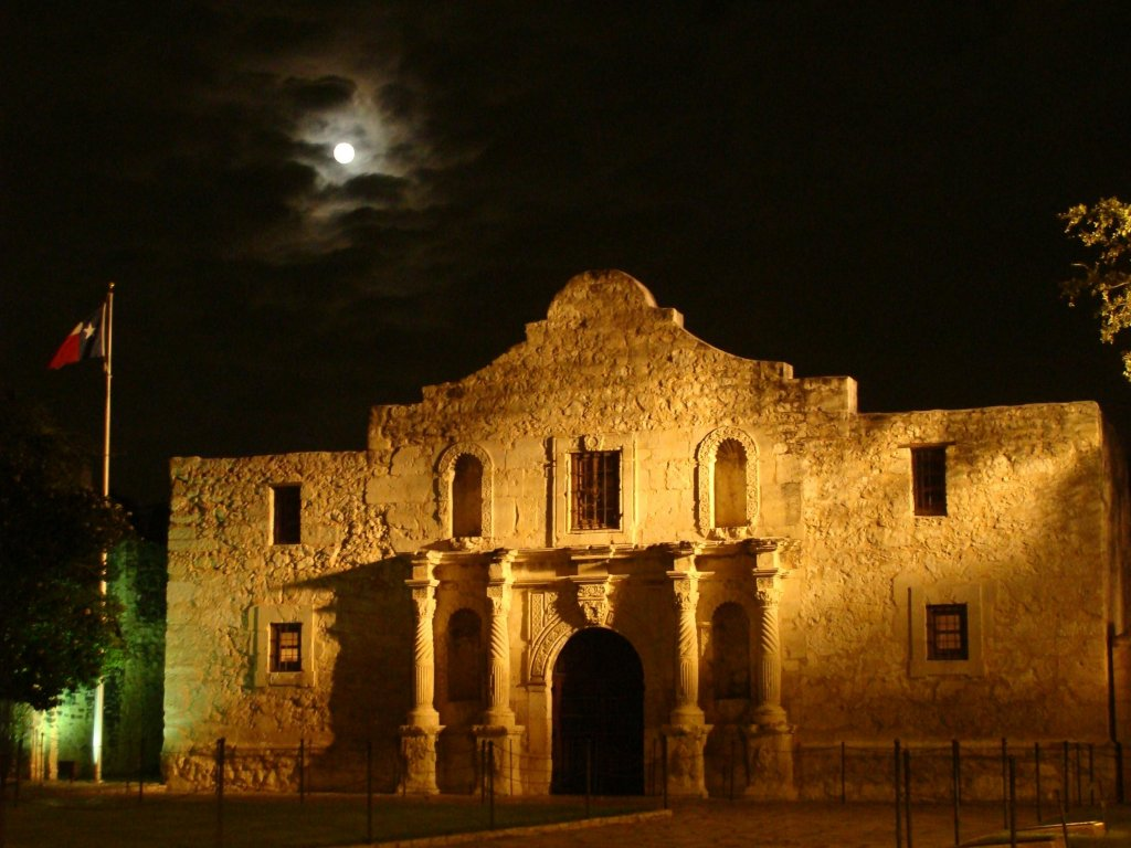 windy-night-at-the-alamo.jpg
