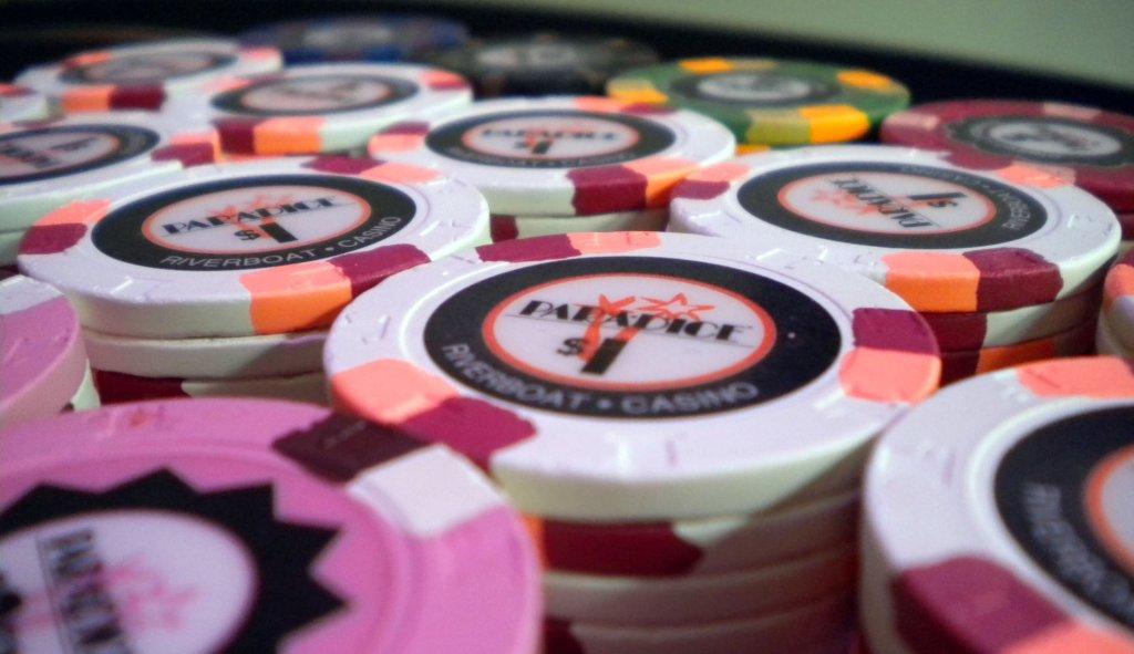 Casino count room attendant salary