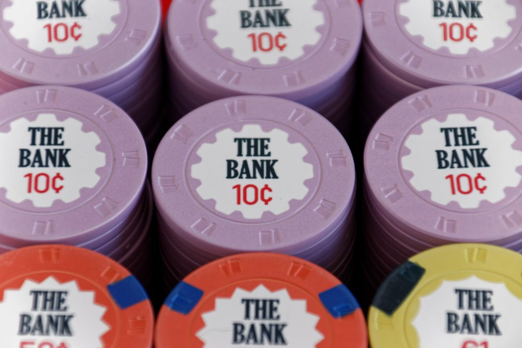 The Bank - Close-up on 10c